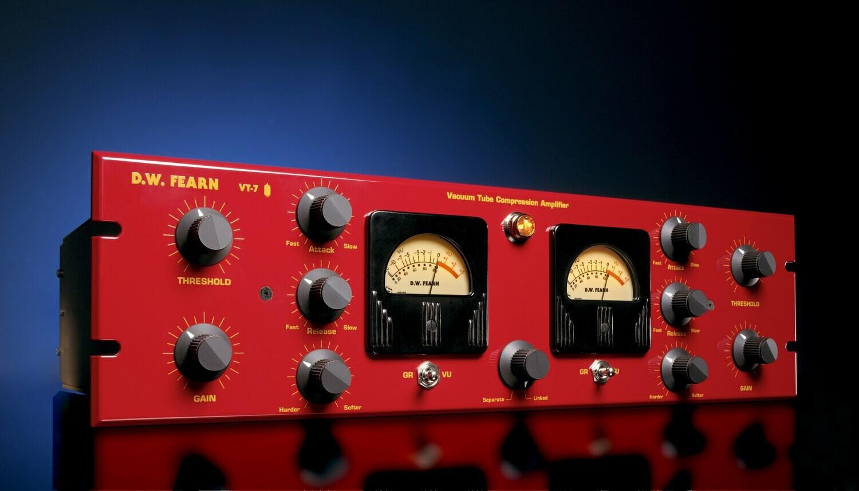 D.W. Fearn VT-7 dual channel vacuum tube compressor