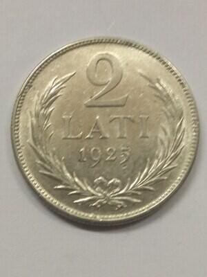 Республика Латвия. 1925. 2 лата. Тип: 1925. 835 Серебро 0.2685 Oz, ASW., 10.00 g. KM#8. XF