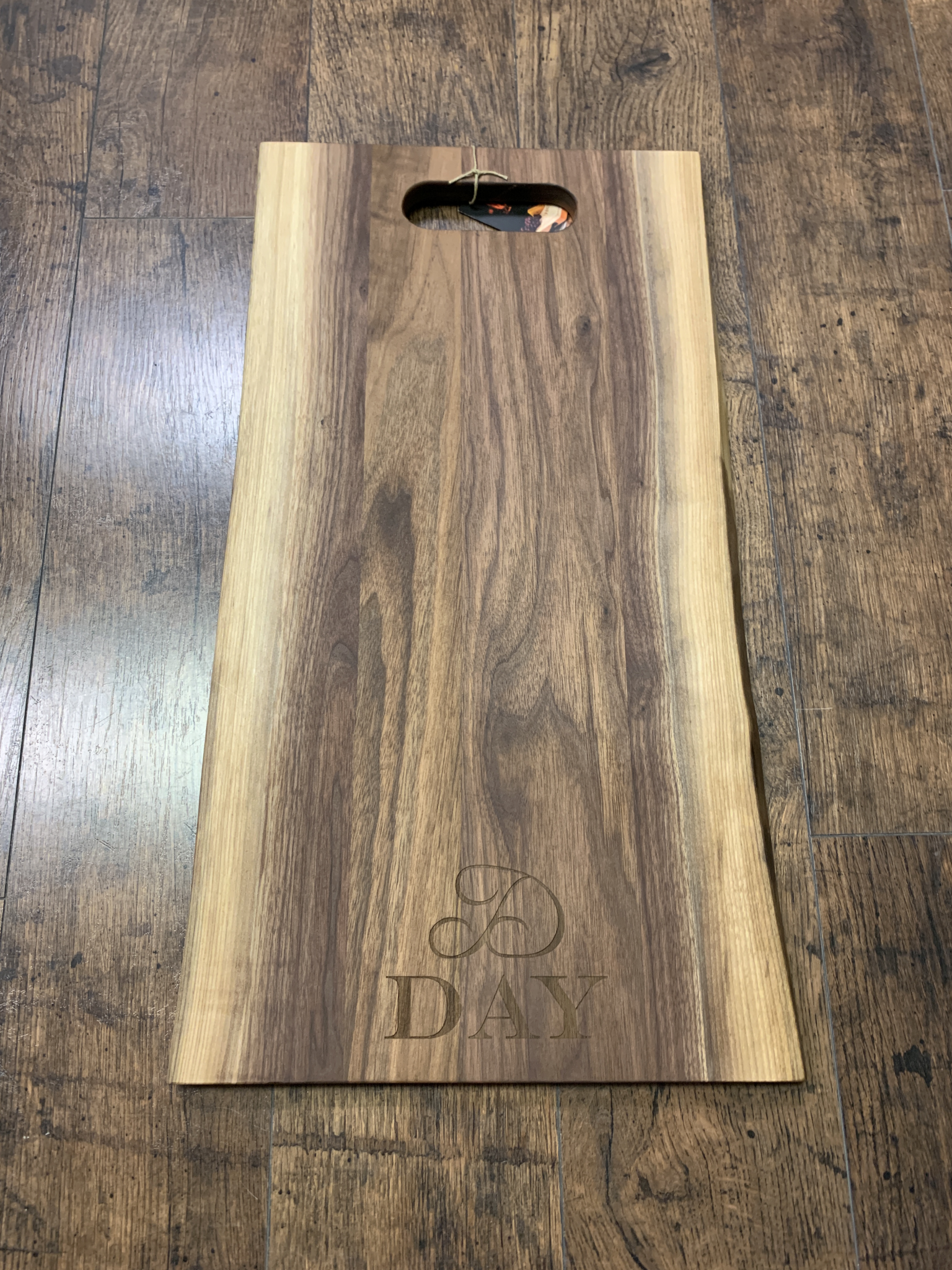 Live Edge Cutting Board leb