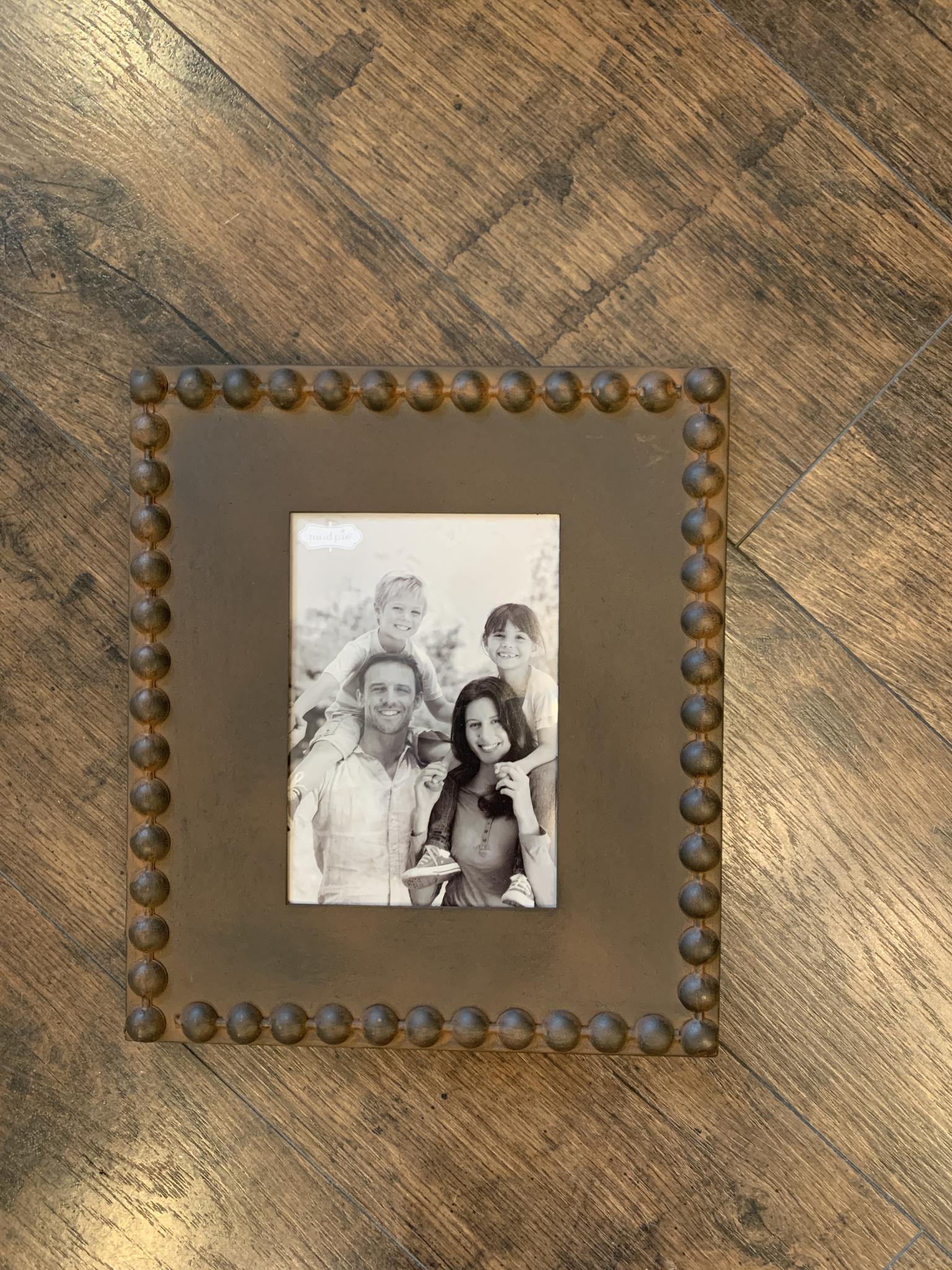 Beaded 5x7 Metal Rust Frame 718540477571