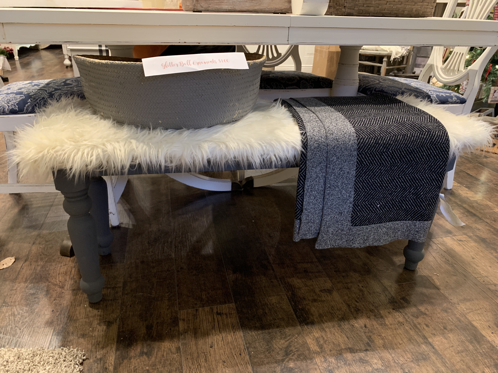 FGF Bench With Fur fgf103
