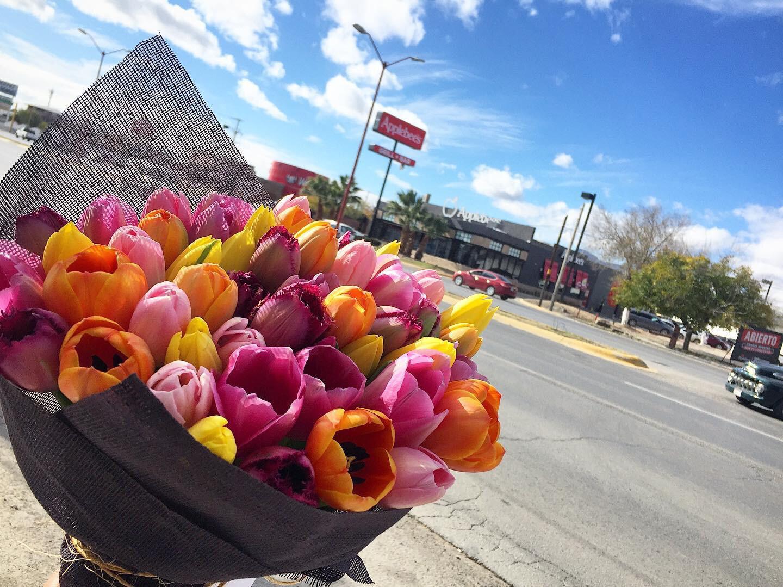Bouquet 100 Tulipanes