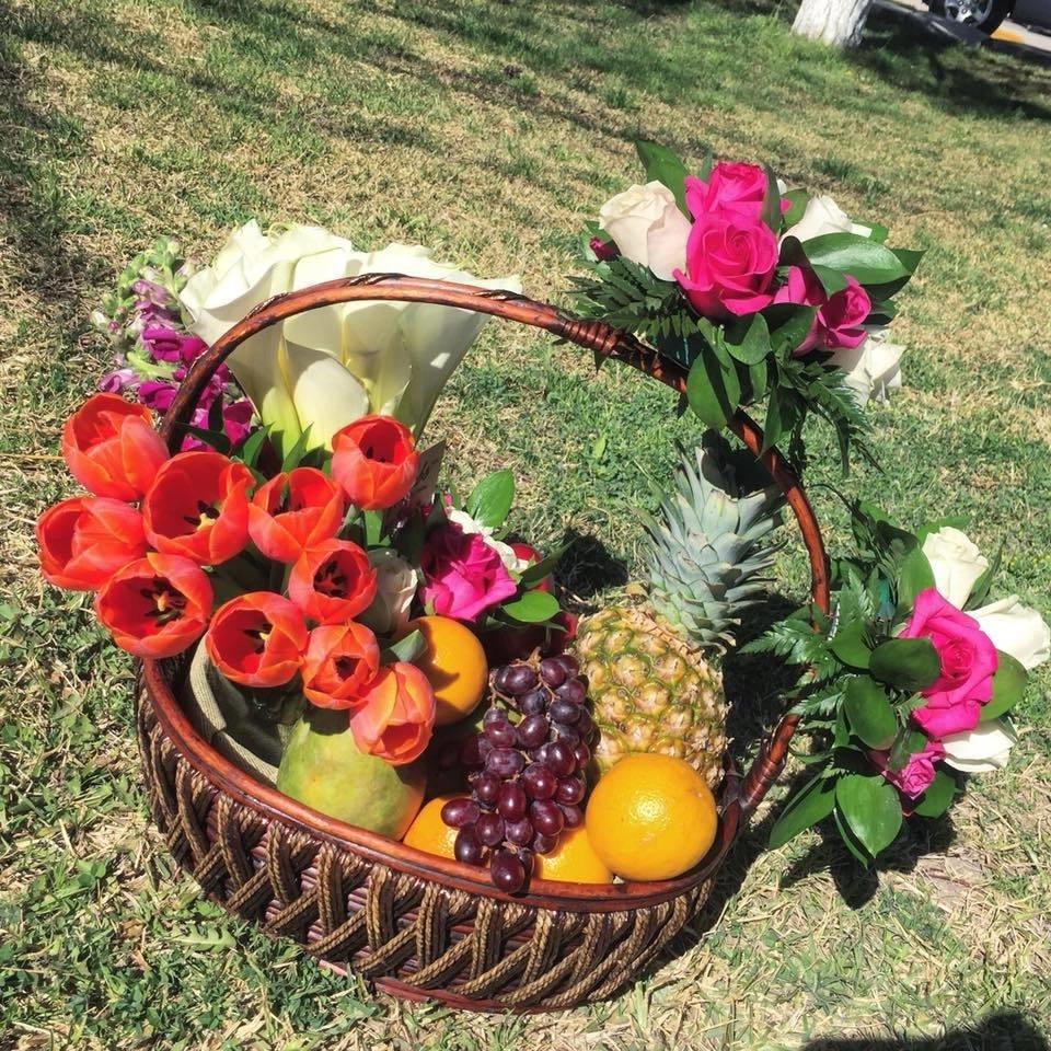 Canasta con Fruta