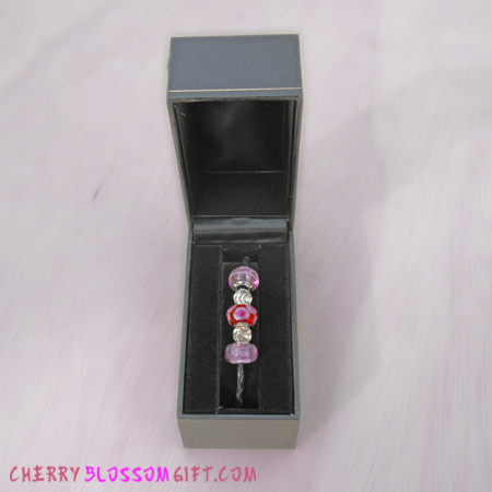 Gifts - Cherry Blossoms - Sakura Friendship Bracelet