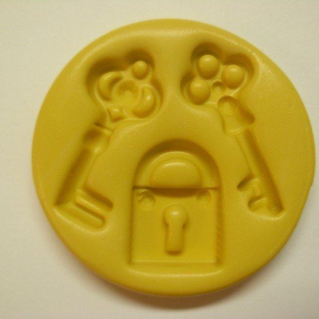 Simi Keys Small