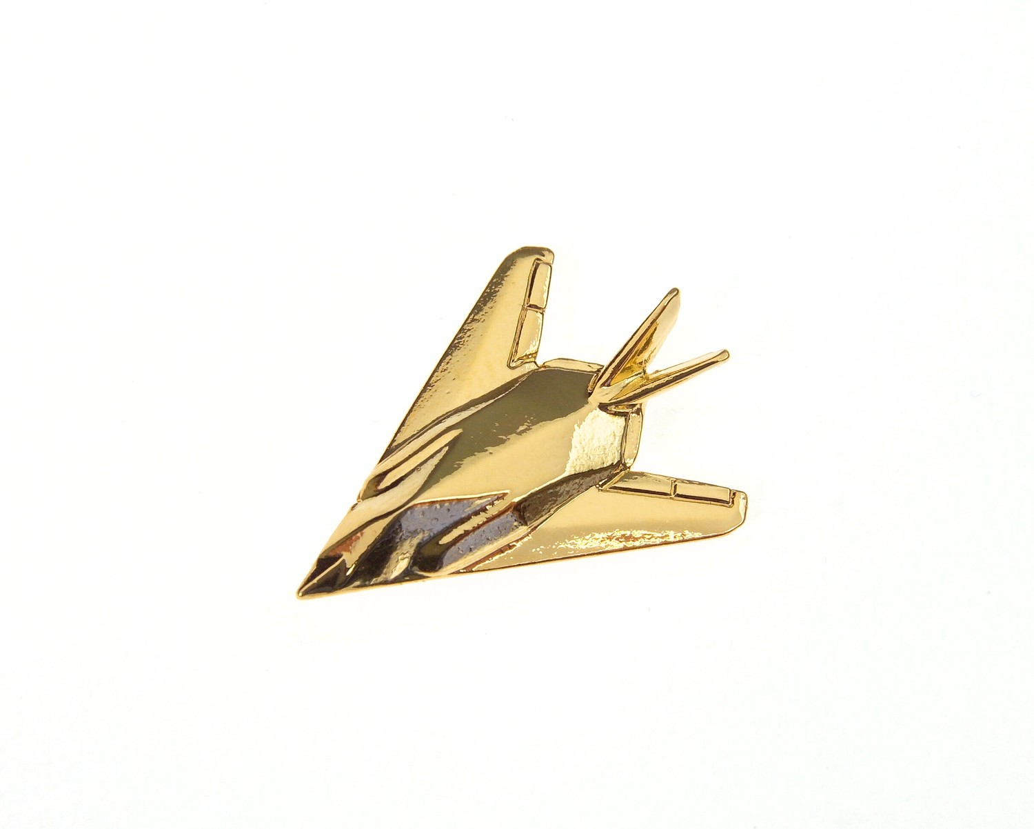 F117 Night Hawk 'Stealth Fighter' Gold Plated Tie / Lapel Pin
