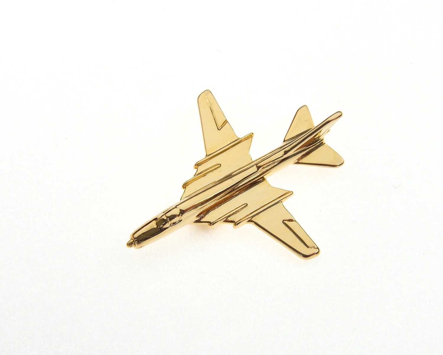 Sukhoi Su22 Fitter Gold Plated Tie / Lapel Pin