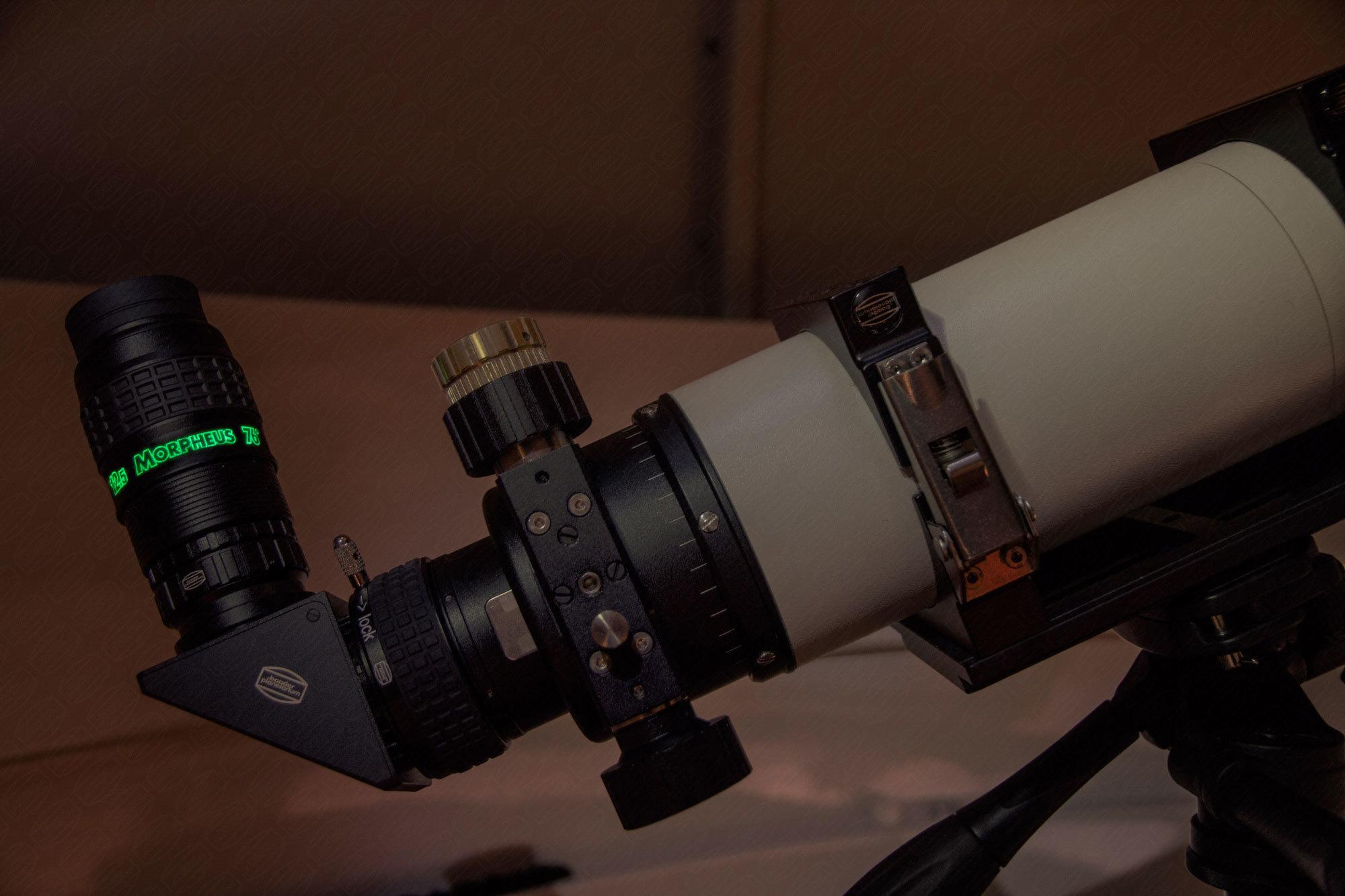 Lumineszens-Beschriftung. Leuchtet bei Bestrahlung ca. 3 min lang nach.
