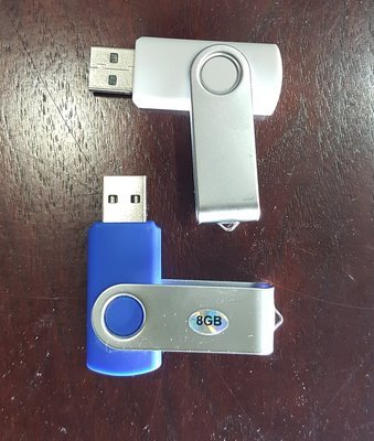 8 GB USB 2.0 Flash Drive