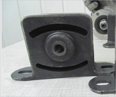 Новые Опора раздаточной коробки 2121- 21214 (меньше вибраций) -  аналог Шеви (цена  1 шт)