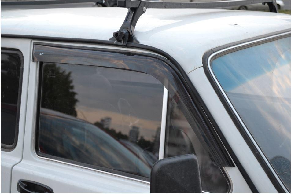 Накладные дефлекторы дверей Lada Niva 4x4. 3-х дверный