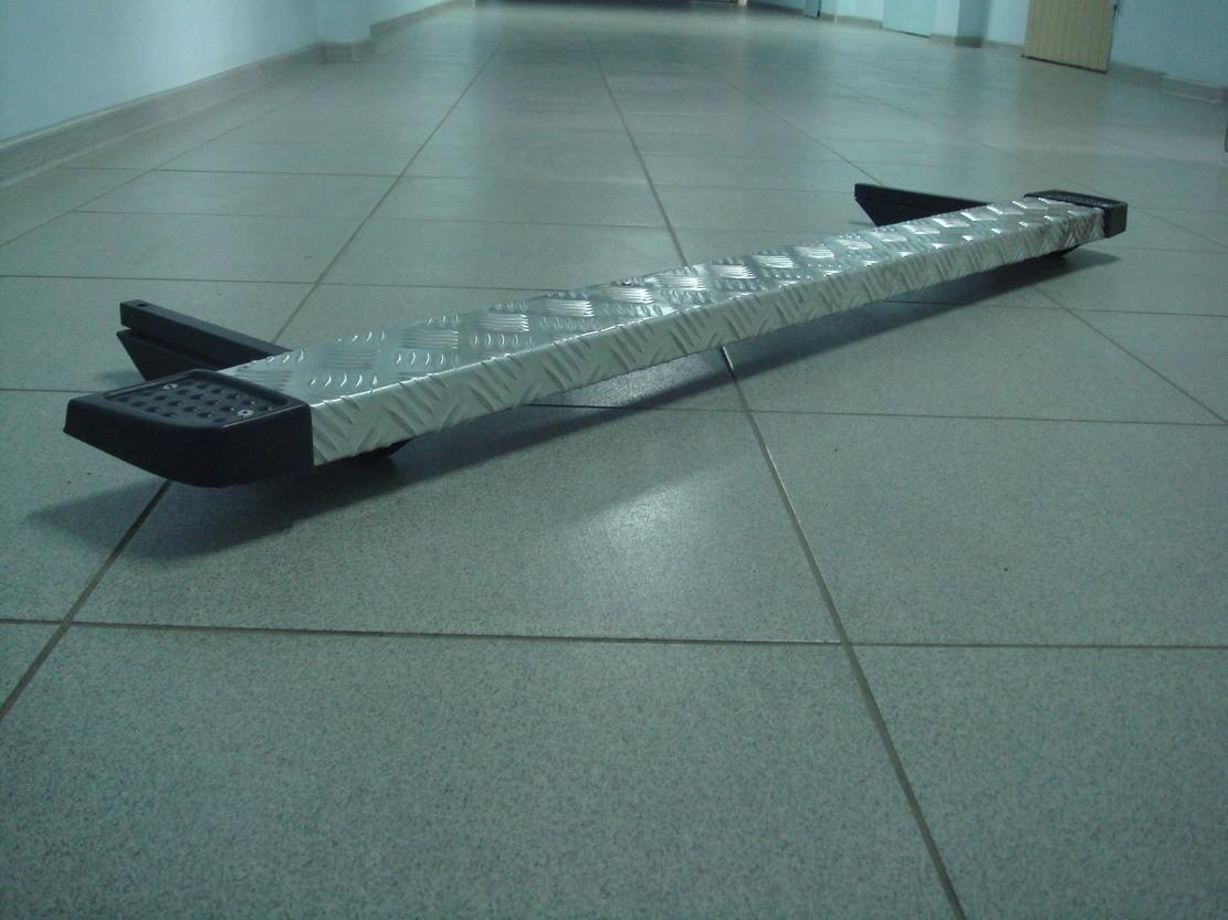 Защита порогов алюминиевая со стальным каркасом 2131