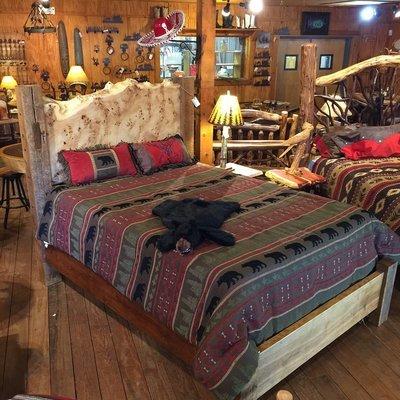 Live Edge Burl Slab w/Antique Barnwood Queen Bed