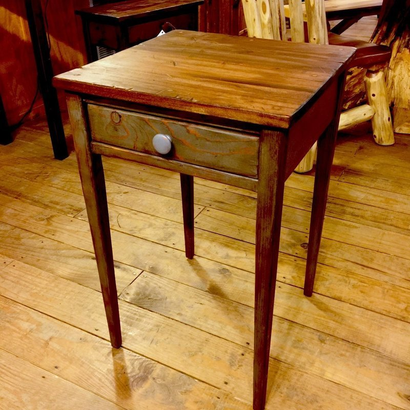 Distressed Granite Shaker Table