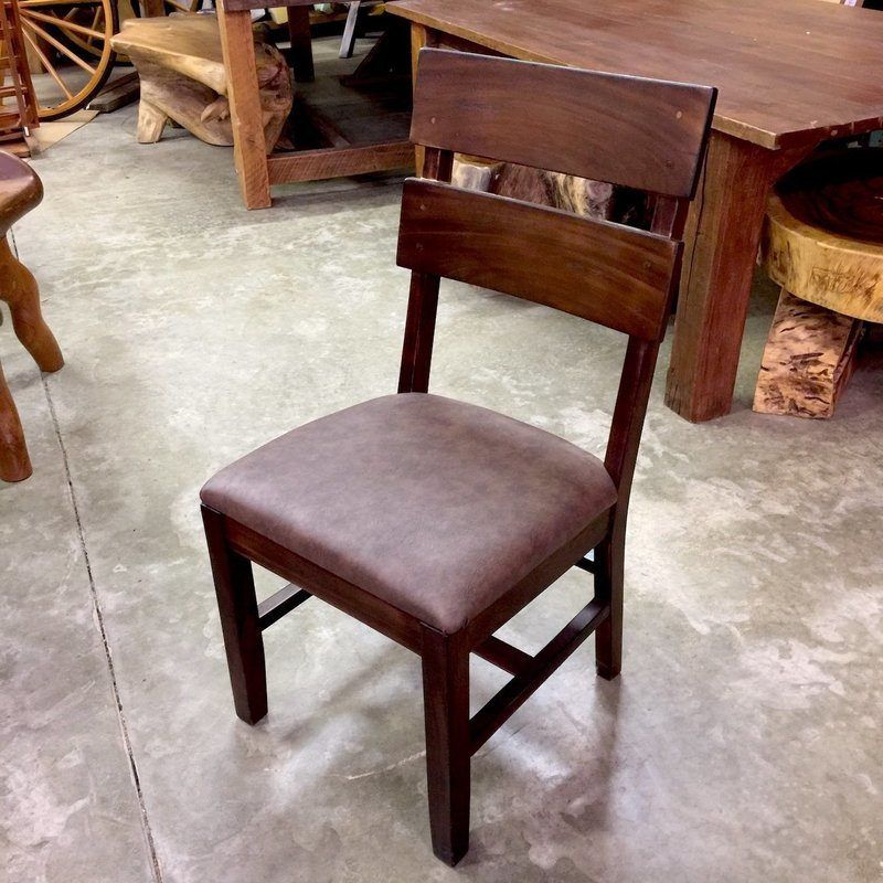 Chair w/faux leather seat