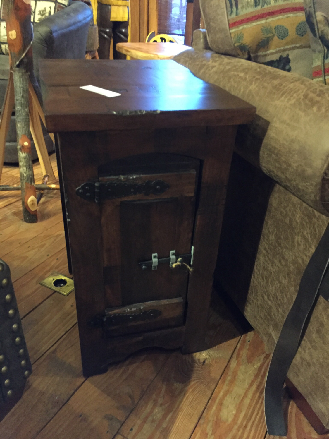 Chair Side Table w/1 Door