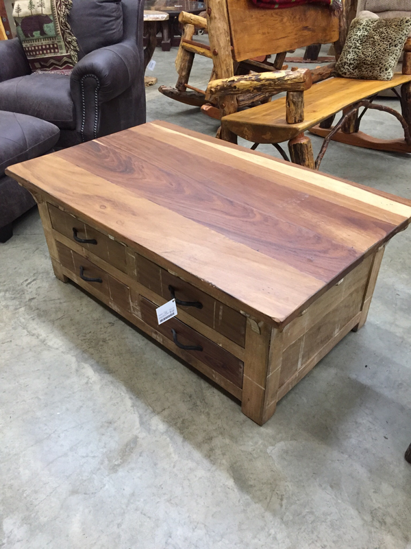 Cocktail Table w/8 Drawer