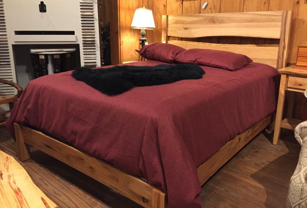 Victor Complete Queen Bed Rustic Cherry