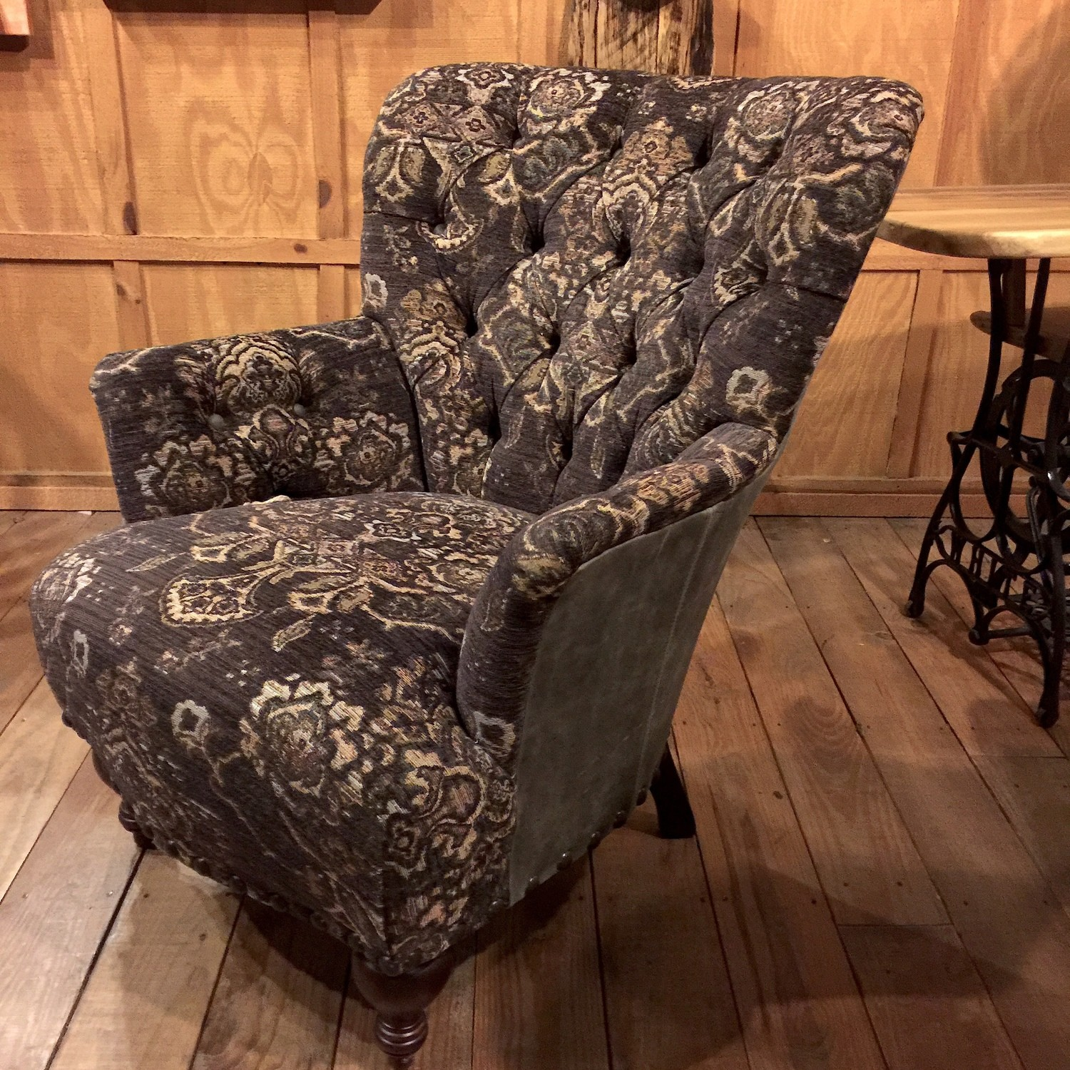 Everest Siberian Tufted Chair