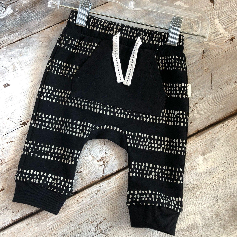 Pantalon Noir Poche Kangourou