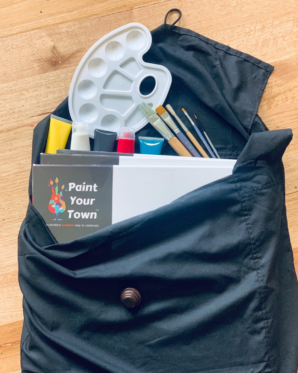 Art kit- acrylic paint travel set