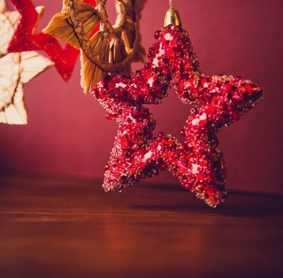Christmas decorations and reindeer food - Thur 20th Dec - 10-11.30am (3-8 years)