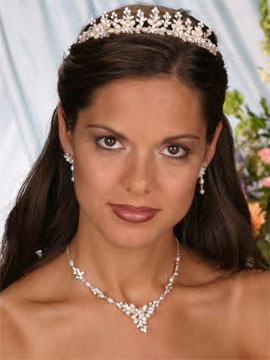 RHINESTONE EARRINGS & NECKLACE SET