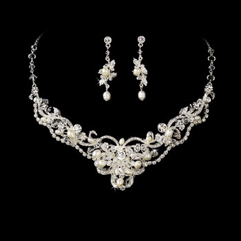 PEARL & CRYSTAL JEWELRY SET