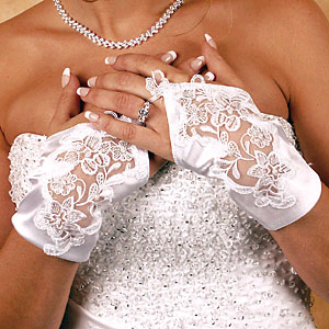 SATIN WRIST FINGERLESS GLOVES