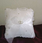 WHITE TULLE PILLOW