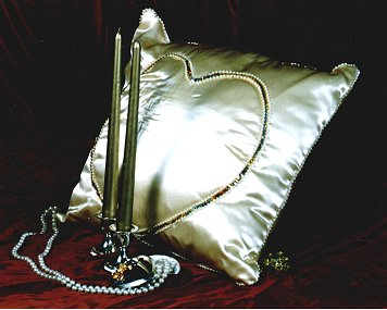 CEREMONY KNEELING PILLOW