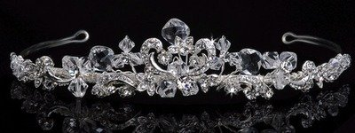 STRIKING BEAUTIFUL TIARA