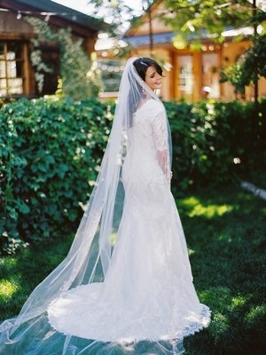 Single Tier Cathedral with embroidered lace