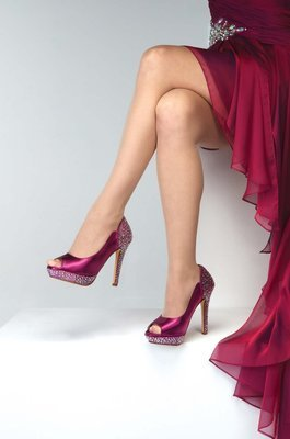Rosa  Satin Dyeable Red