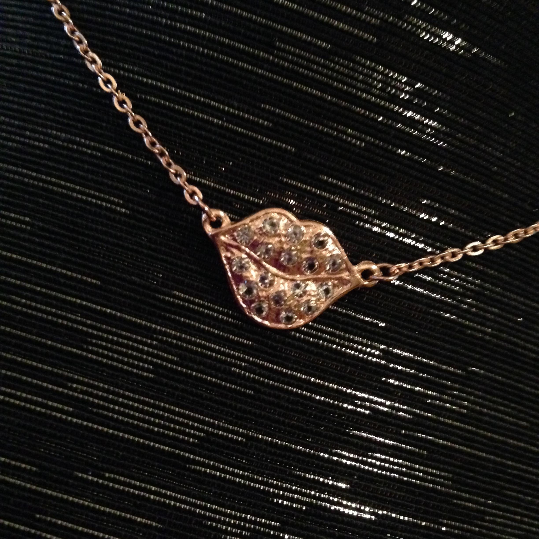 Sheila Fajl Lisa's Necklace 01255