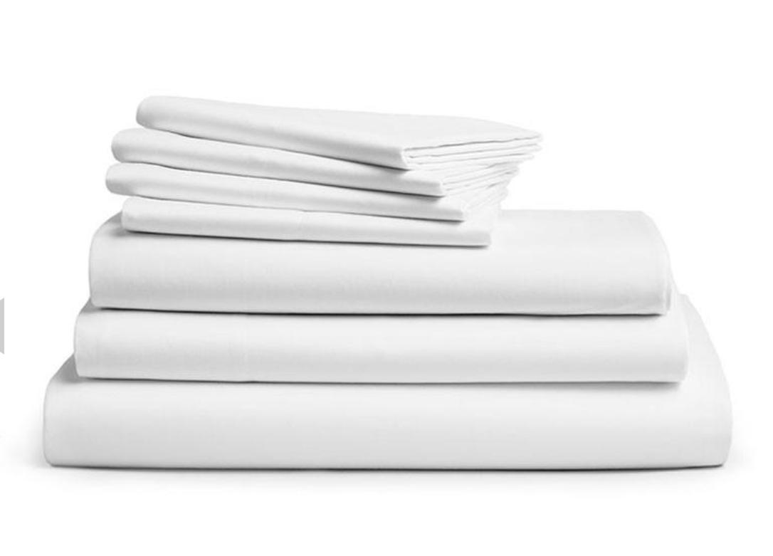 DeLuxe White Bedsheet Set