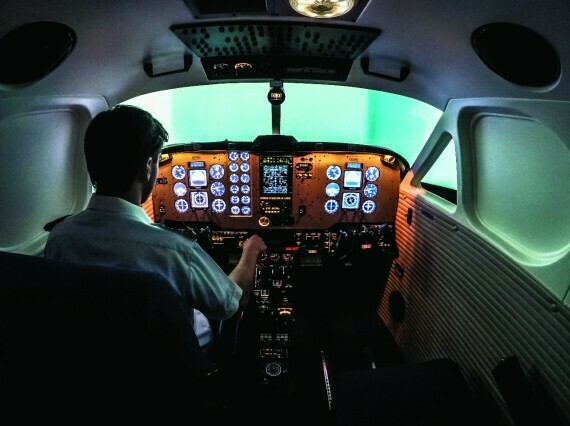 60 Minute Flight Simulator Experience with Free Observer