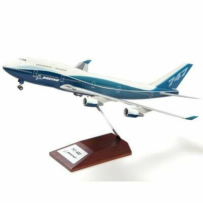 Boeing B747-400 Plastic 1:200 Model