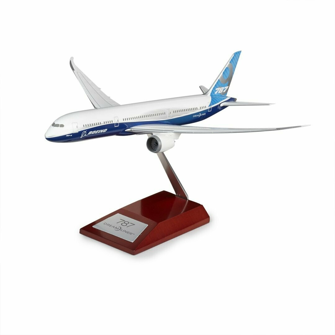 Boeing B787-9 Dreamliner Plastic 1:200 Model