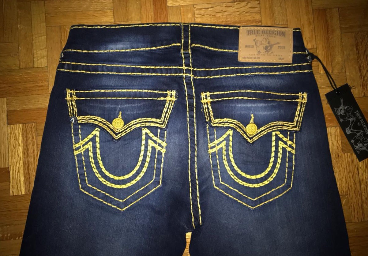 TRUE RELIGION YELLOWSTICH