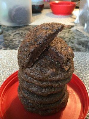 24 Double Chocolate Chip Cookies/24Galletas doble de chocolate