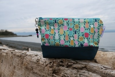 Large Cork Carry Case Pineapples