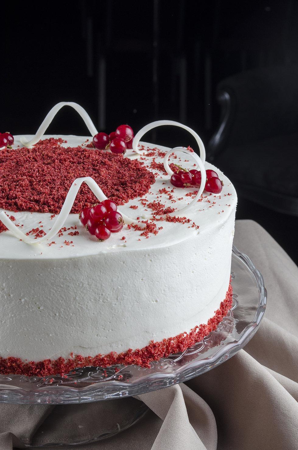 Торт «Рэд вельвет» 1.5 кг. 00018
