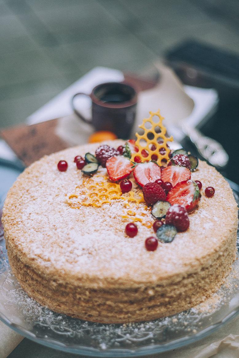 Торт «Сладкий Янтарь» 1.5 кг. 00019