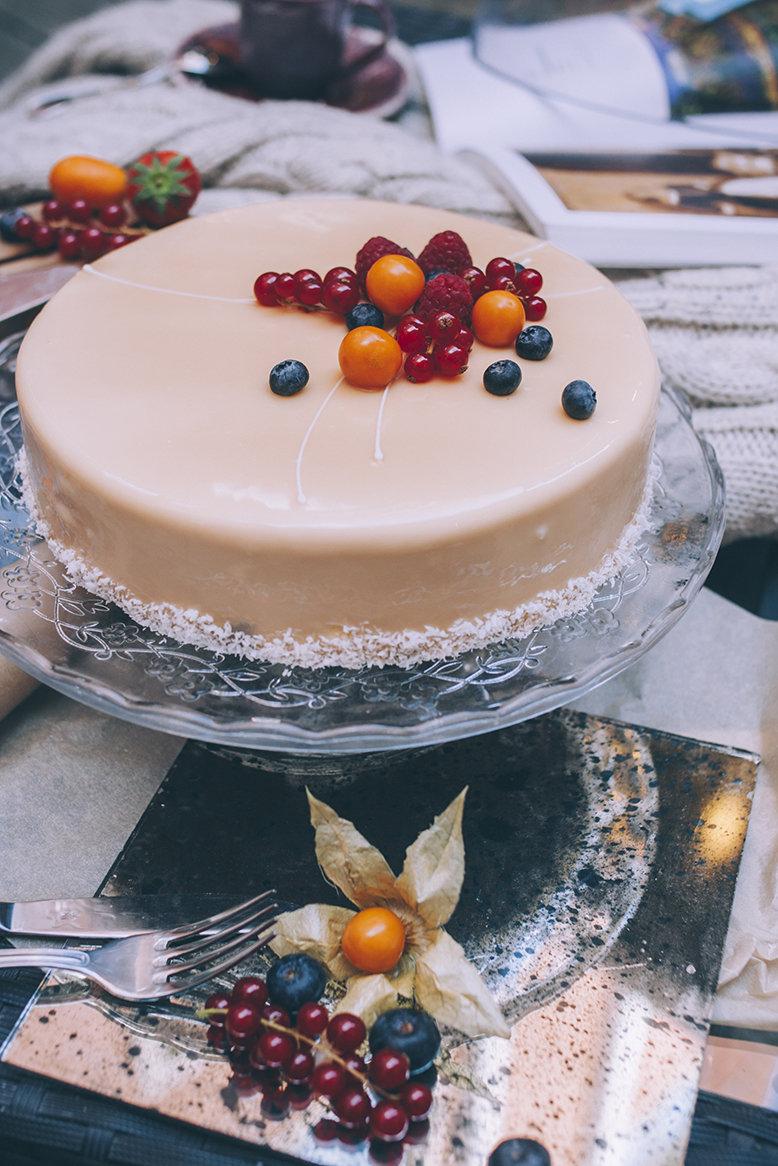Торт «Экзотик» 1.5 кг. 00025