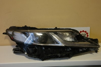 Фара правая Toyota Camry V70 LED