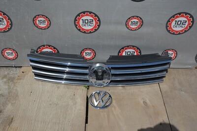 Решетка радиатора Volkswagen Touareg 2 NF