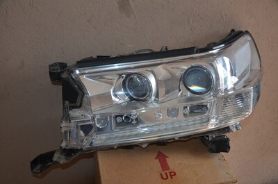 Фара левая Toyota Land Cruiser 200 LED