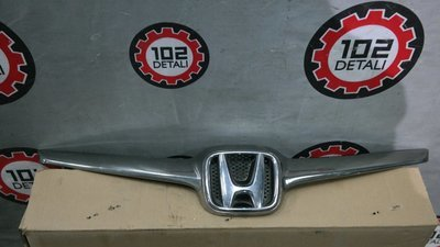 Honda CR-V, Накладка решётки радиатора (хром)