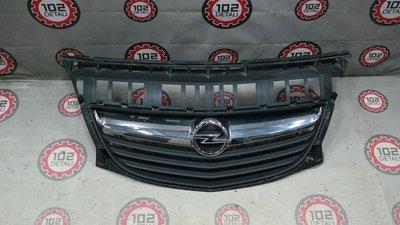 Решетка радиатора Opel Antara